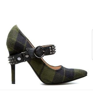 Scene by Shoe Dazzle Green Plaid Spike Strap Heels